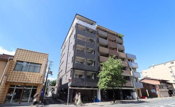 Condo Apartment for Investment, near Keihan Sanjo station, for Sale in Higashiyama Ward, Kyoto
