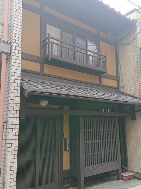 Renovated Kyo-Machiya House in Kajiya-cho near Sanjo Shopping street, for Sale in Nakagyo Ward