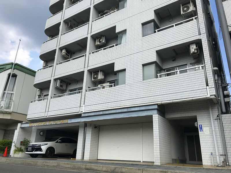 Condo Apartment near Nijo Castle, Renovated Room on 2F, for Sale in Kamigyo Ward, Kyoto