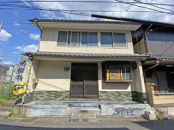 House in Fukakusa Kaga Yashiki-cho near Kintetsu Line Fushimi sta., for Sale in Kyoto