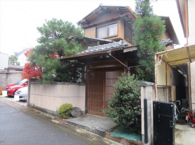 House near Philosopher's Path and Silver Temple, for Sale in Sakyo Ward