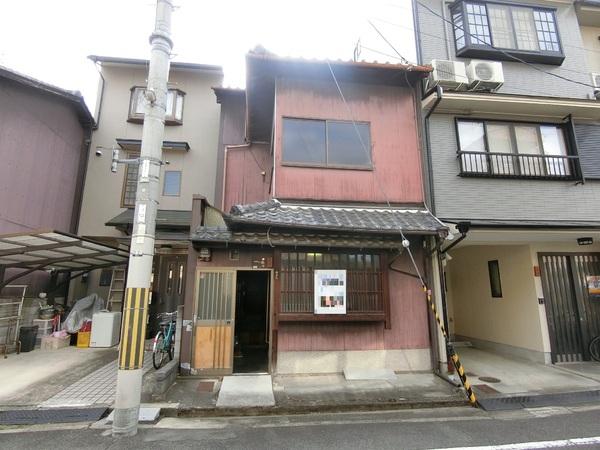 Machiya near Nijo Castle, within Walking distance to Nijo sta., for Sale in Kamigyo, Kyoto
