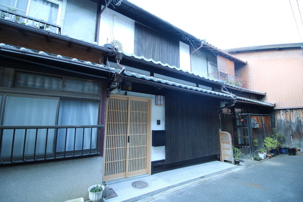 Price Changed: Fully Renovated Kyo-Machiya House in Echigo-cho, Nakagyo Ward, for Sale in Kyoto