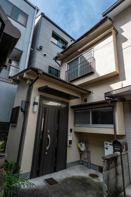 Price Changed: Mibushinmeicho House, Renovated House in Nakagyo Ward for Vacation Home or Investment
