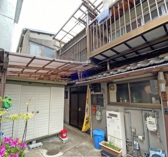 Used House in Sakae-cho, Kamigyo Ward, near Seimei-Jinja Shrine, for Sale in Kamigyo Ward