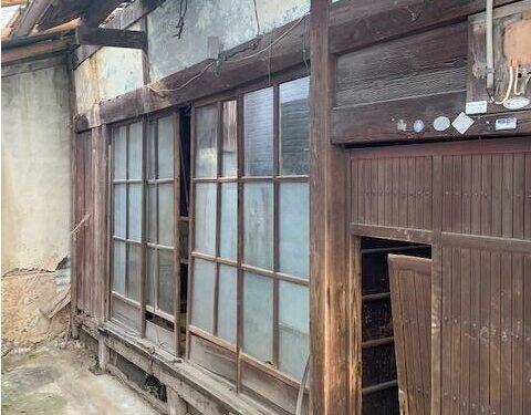 Non-Renovated Cheap House in Shichiku Seinan-cho, Kita Ward, for Sale in Kyoto