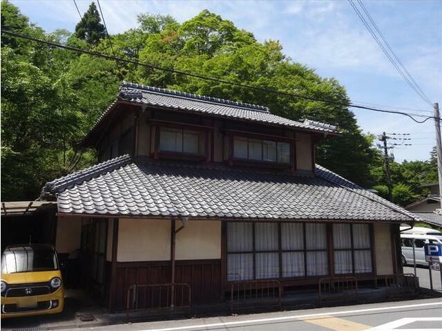 Kominka House in Umegahata near Kiyotaki River for Sale in Ukyo Ward