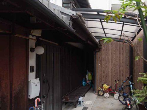 Renovated Kyo-Machiya with Tsuboniwa Garden, for Sale in Kamigyo Ward