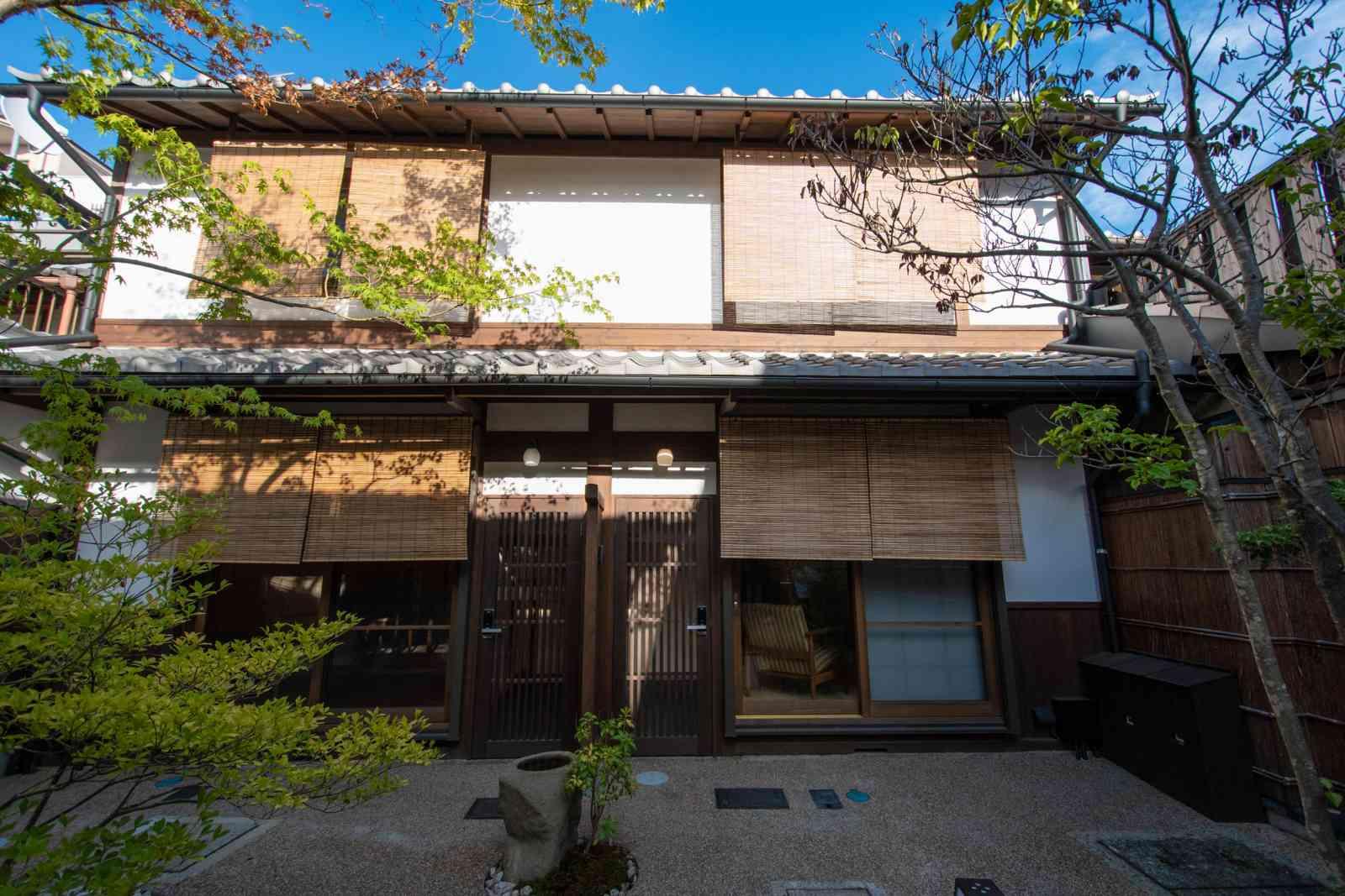 Renovated Kyo-Machiya Houses for Gueshouse, 3 Properties for Sale in Higashiyama Ward, Kyoto