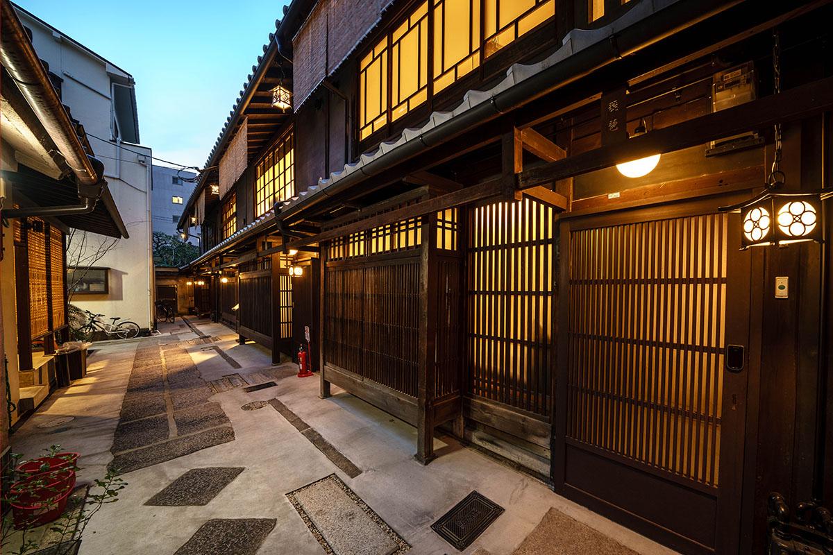 Renovated Kyo-Machiya Guesthouses near Oike, near Shijo, in Nishi-Rokkaku, for Sale in Nakagyo Ward, Kyoto