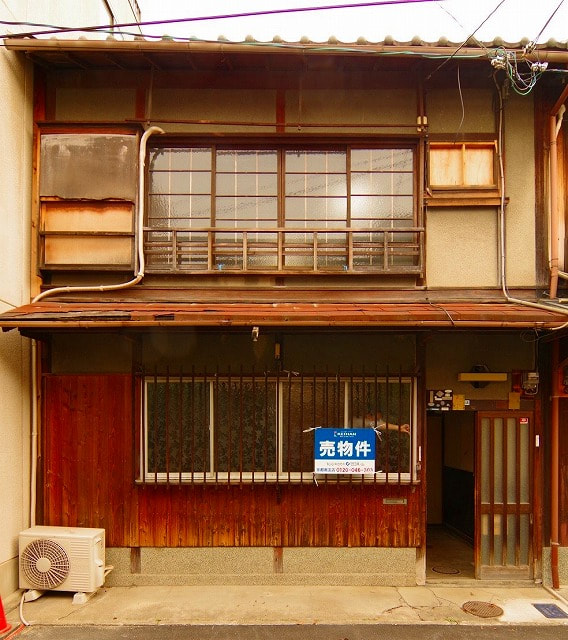 Kyo Machiya House for Sale in Kamigyo near Imperial Palace in Kyoto
