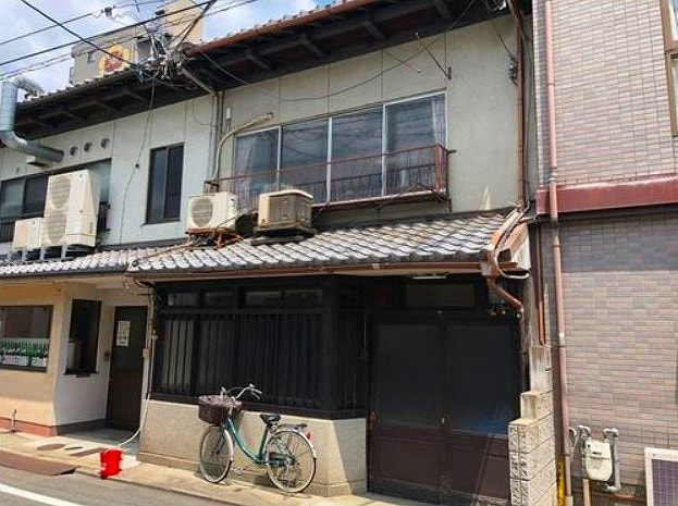 Machiya for Sale in Nakagyo, Kyoto close to center of city