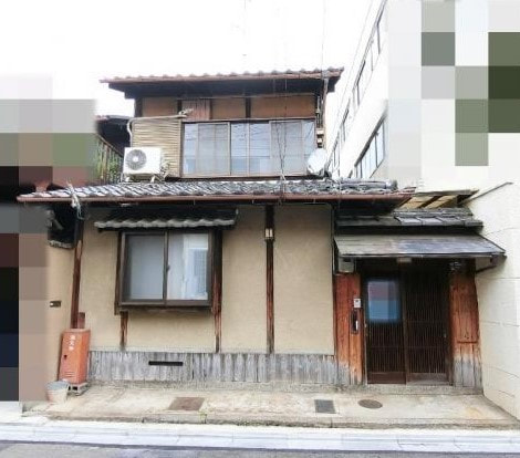 Kyo Machiya for Sale near Imperial Palace and Kyoto Brighton Hotel