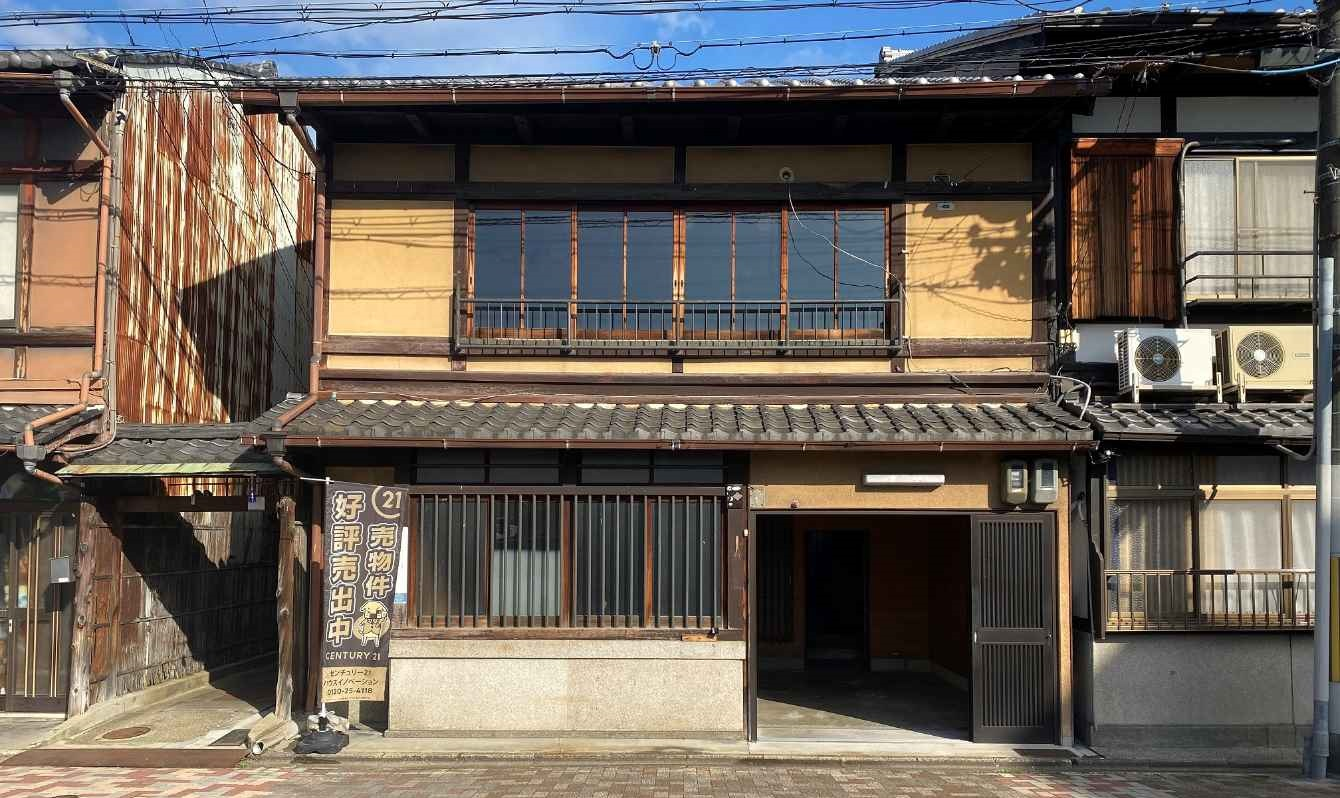 Price changed: Monzencho Non-Renovated Kyo Machiya