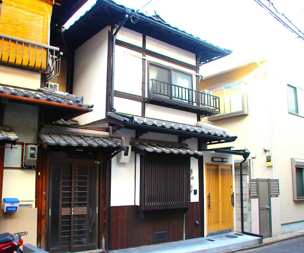 Renovated Kyo-Machiya near Enmachi sta., Guesthouse Used Property for Sale