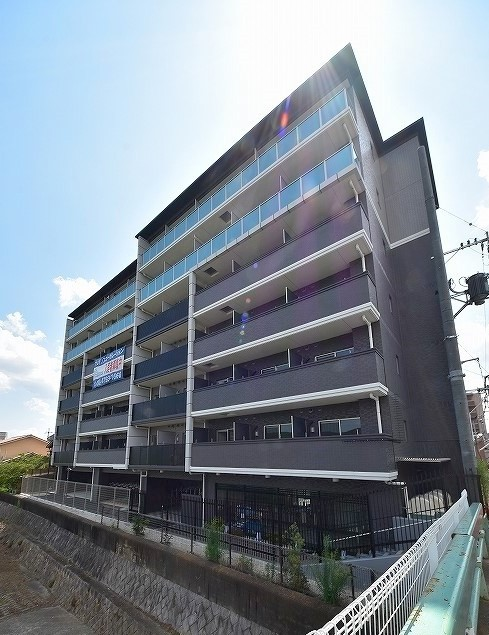 Apartment for Investment, locating at next of Kamo river, for Sale in Minami Ward