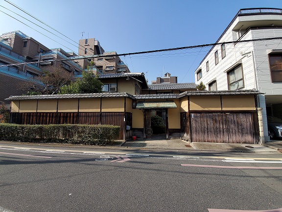 Land with Old Existing House for Sale in Sakamoto-cho at South of Kyoto Imperial Palace, for Sale in Nakagyo Ward