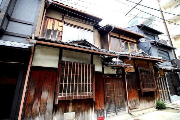 Price Changed: Tenshitsukinuke 2chome Machiya, Non-Renovated Kyo-Machiya near subway Gojo sta., for Sale in Shimogyo Ward