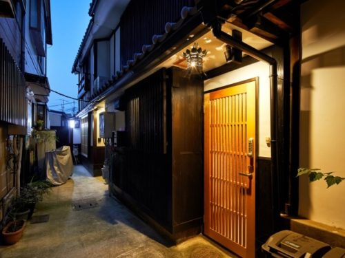Renovated Machiya Guesthouse in Higashiyama Ward, for Investment, for Sale