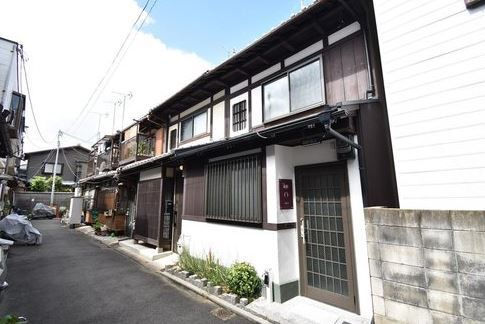 Renovated GuestHouse near Nishi-Honganji Temple, Investment Property for Sale in Shimogyo Ward